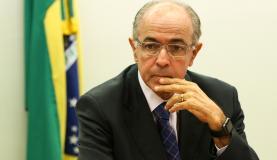 Brasília - O relator da Comissão Especial da Petrobras e Exploração do Pré-Sal, deputado José Carlos Aleluia, durante sessão para votação do parecer do relator pela aprovação do projeto original do PL 4567/16