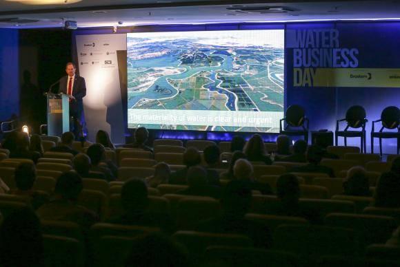 Brasília - O vice-presidente do Conselho Empresarial Mundial para o Desenvolvimento Sustentável, Peter White, fala no Water Business Day (Fabio Rodrigues Pozzebom/Agência Brasil)