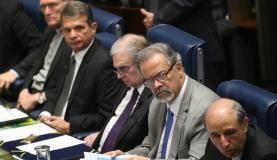 Brasília - O ministro da Segurança Pública, Raul Jungmann, durante sessão plenária do Senado para discutir a questão da violência e da segurança pública (Fabio Rodrigues Pozzebom/Agência Brasil)