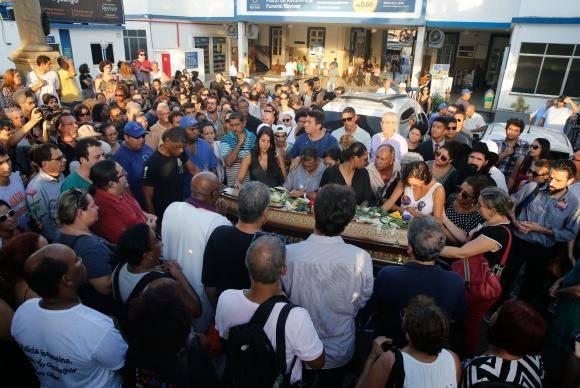 Rio de Janeiro - Enterro do corpo da vereadora Marielle Franco no Cemitério do Caju (Fernando Frazão/Agência Brasil)