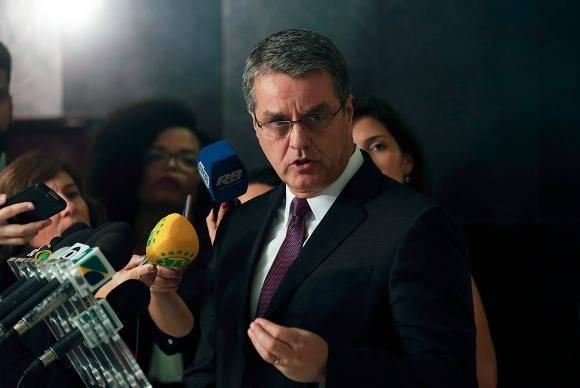 Brasília - O diretor-geral da Organização Mundial do Comércio (OMC), Roberto Azevêdo, fala à imprensa após reunião com o presidente Michel Temer, no Palácio do Planalto (Fabio Rodrigues Pozzebom/Agência Brasil)