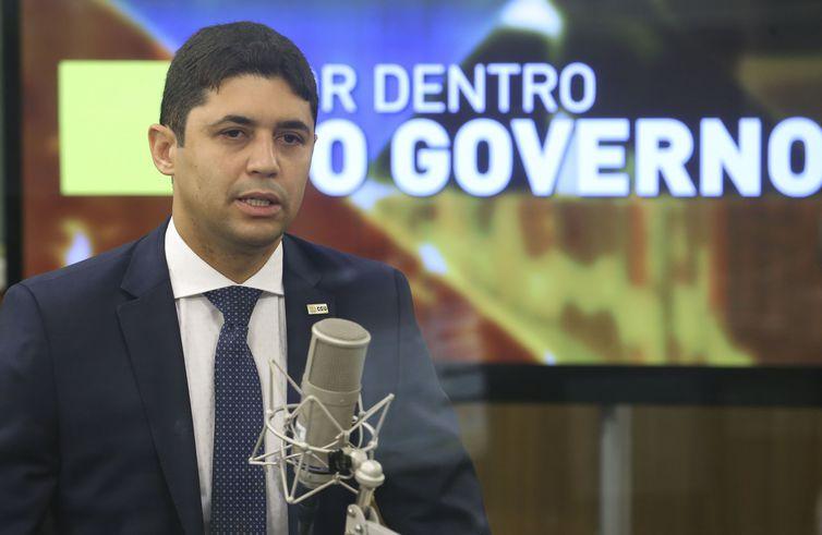Brasília - O ministro Wagner Rosário, da Transparência e Controladoria-Geral da União (CGU), dá entrevista ao programa Por Dentro do Governo, da TV NBR.