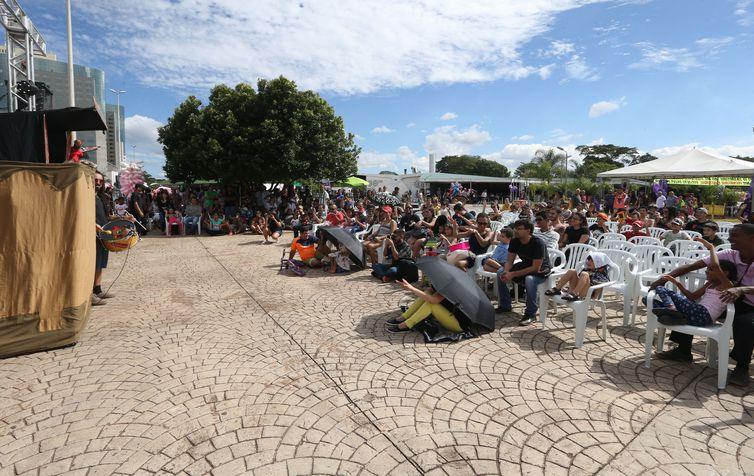 Shows comemoram os 58 anos de Brasilia, Com os espetáculos da Cia. Teatral Pilombetagem, Distrito Federal.