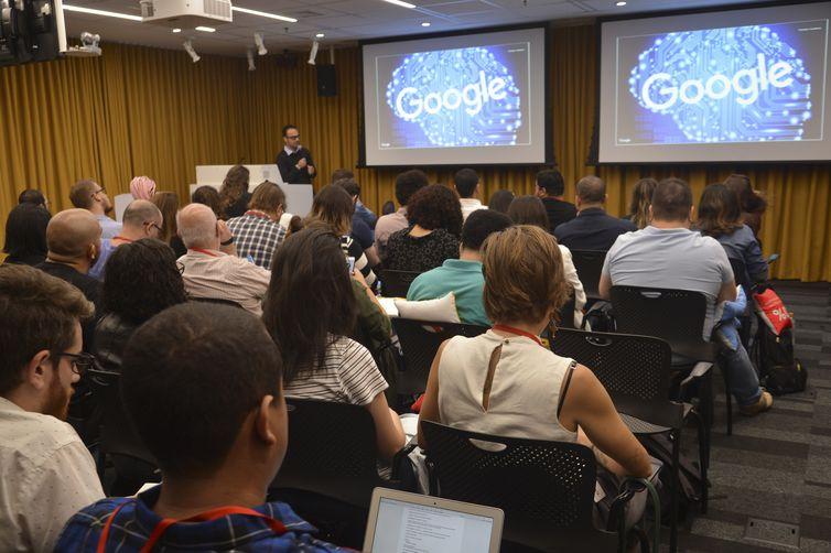 São Paulo - Evento no escritório do Google Brasil marca os 20 anos de evolução do buscador