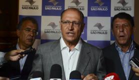 """São Paulo - O governado Geraldo Alckmin comenta o programa """"Saúde em Ação"""", parceria do Banco Interamericano de Desenvolvimento e o governo do estado (Rovena Rosa/Agência Brasil)"""