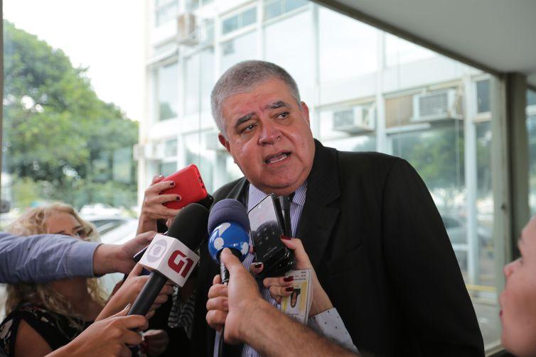 Brasília - Ministro da Secretaria de Governo, Carlos Marun, fala à imprensa após se reunir com o ministro da Fazenda, Eduardo Guardia (Fabio Rodrigues Pozzebom/Agência Brasil)