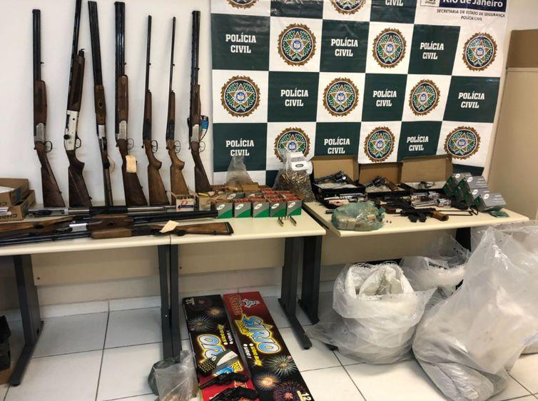 Polícia do Rio combate o comércio irregular de armas