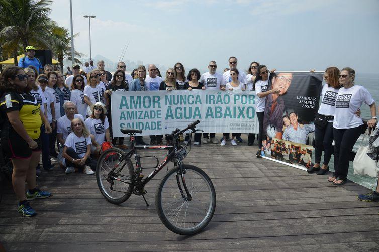 Queda da ciclovia Tim Maia completa dois anos com ato em homenagem às vítimas.