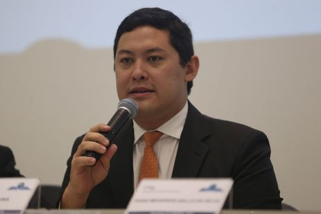 Brasília - O secretário executivo do Ministério do Trabalho, Helton Yomura, durante divulgação do Relatório Anual do Observatório das Migrações Internacionais, referente ao ano de 2016 (José Cruz/Agência Brasil)