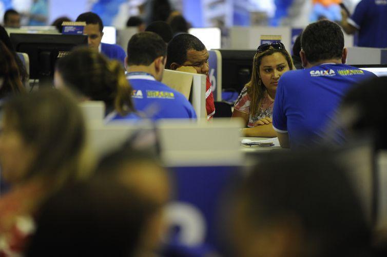 A 10ª edição do Feirão Caixa da Casa Própria acontece no Riocentro (Fernando Frazão/Agência Brasil)