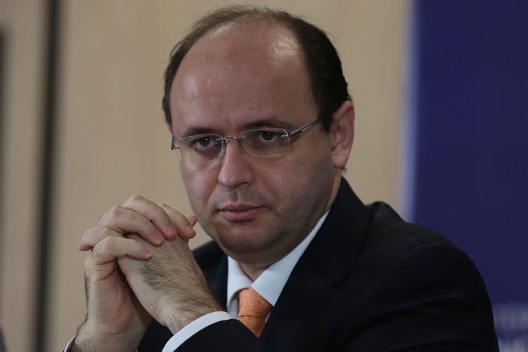 O ministro da Educação, Rossieli Silva, durante apresentação do sistema de inscrição para o Exame Nacional do Ensino Médio (Enem) 2018.