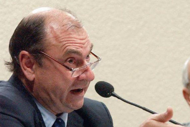 César Maia é acusado de improbidade administrativa na construção do Hospital de Acari