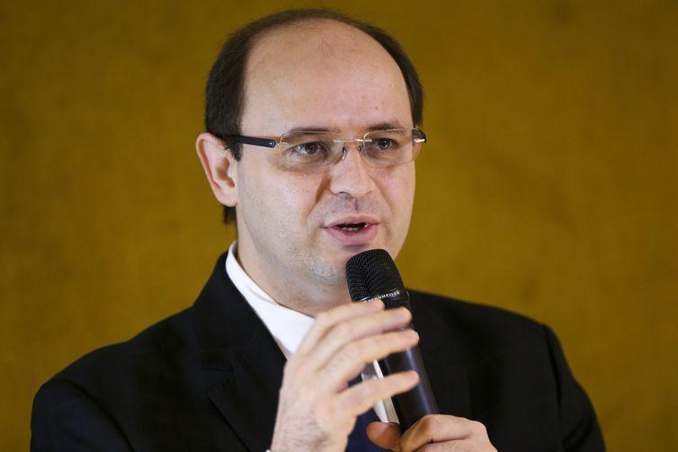 O ministro da Educação, Rossieli Soares da Silva, participa de café da manhã com integrantes da Frente Parlamentar da Educação.