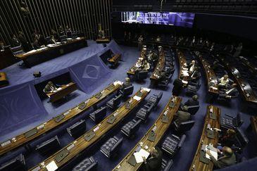Senado vota permissão para venda direta do petróleo do Pré-Sal.