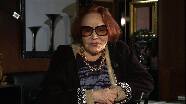 Bibi Ferreira é a entrevistada de hoje no Conversa com Roseann Kennedy