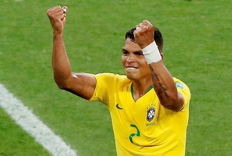 Copa 2018: Brasil e Sérvia. Thiago Silva, do Brasil, marca o segundo gol da equipe.