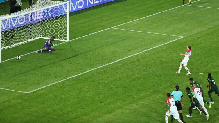 Copa 2018: Croácia e Nigéria. Luka Modric marca o segundo gol da Croácia de pênalti.