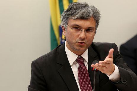 O ministro do Planejamento, Esteves Colnago participa de audiência pública na Comissão Mista de Orçamento para falar sobre a Lei de Diretrizes Orçamentárias (LDO) de 2019.