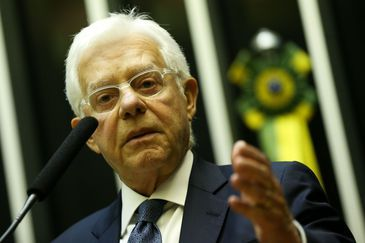 O ministro de Minas e Energia, Moreira Franco, durante comissão geral sobre o preço dos combustíveis no Brasil.