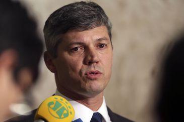 O ministro dos Transportes, Portos e Aviação Civil, Valter Casimiro Silveira, durante entrevista coletiva, no Palácio do Planalto.