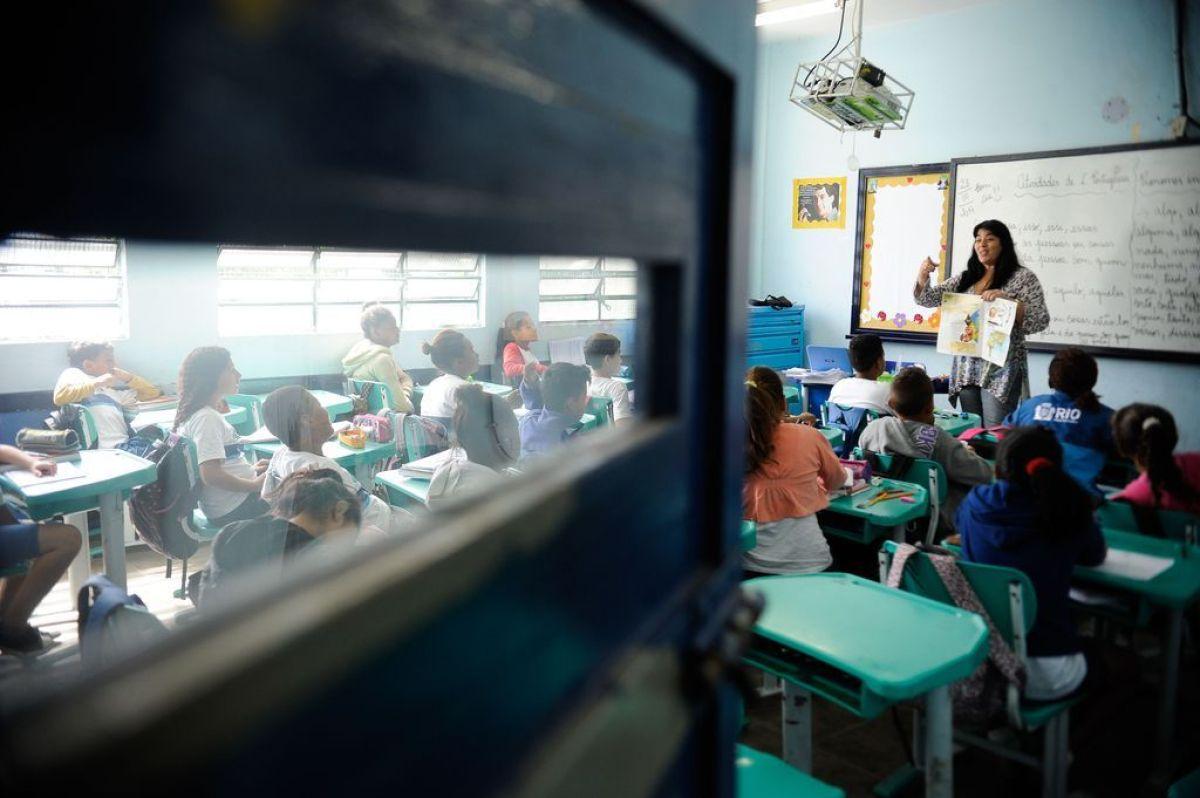 Teto de gastos deve dificultar ampliação de investimentos, tendo reflexos em unidades educacionais públicas como a Escola Municipal Professor Helena Lopes Abranches, no Rio