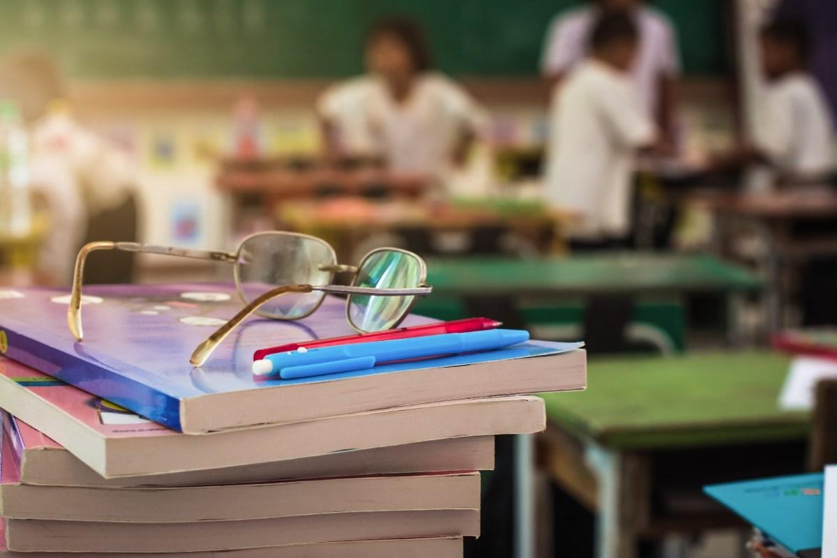 Na rede pública de ensino, em média, são 37 alunos por turma (3)