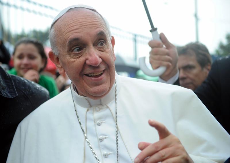 """""""O telefone celular é uma droga"""" diz Papa Francisco"""