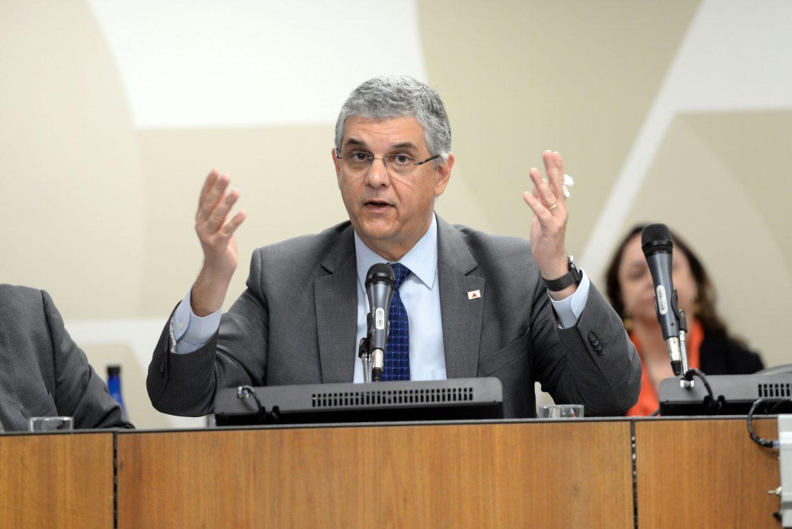 Gustavo de Oliveira Barbosa (secretário da Secretaria de Estado da Fazenda).