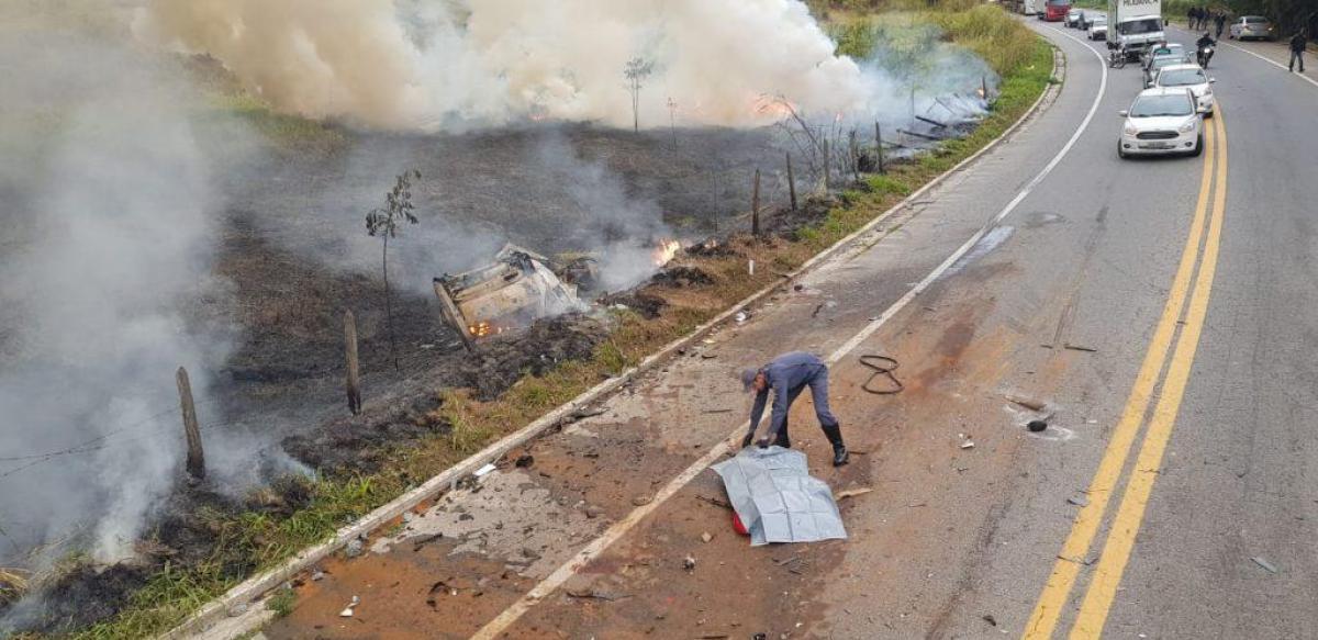 BR 262 Duas pessoas morrem em acidente em Manhuaçu
