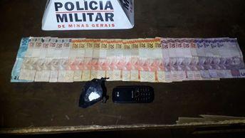 Jovem é preso no Bairro Santa Rita de Cássia em Monte Carmelo