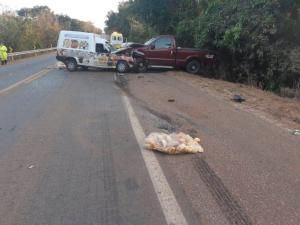 Mulher morre e três ficam feridos em acidente na BR-040
