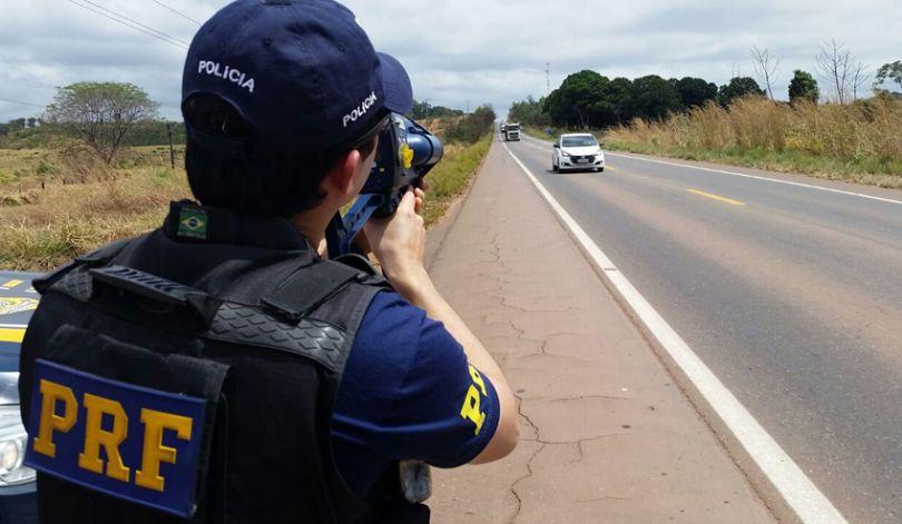 Bolsonaro suspende radares móveis nas rodovias federais