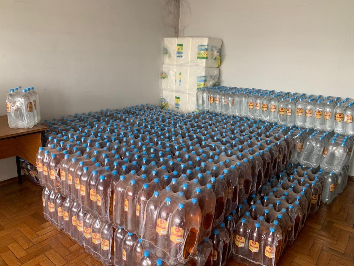 1700 litros de cachaça são apreendidos pela polícia em Patrocínio-MG (1)