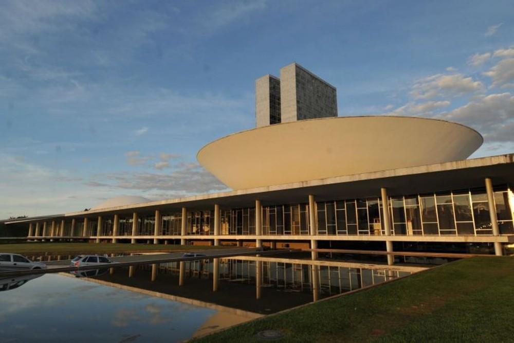 Prefeitos se mobilizam em Brasília contra extinção de municípios