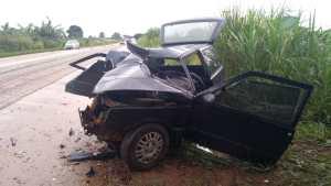 Casal fica ferido em acidente na BR 354