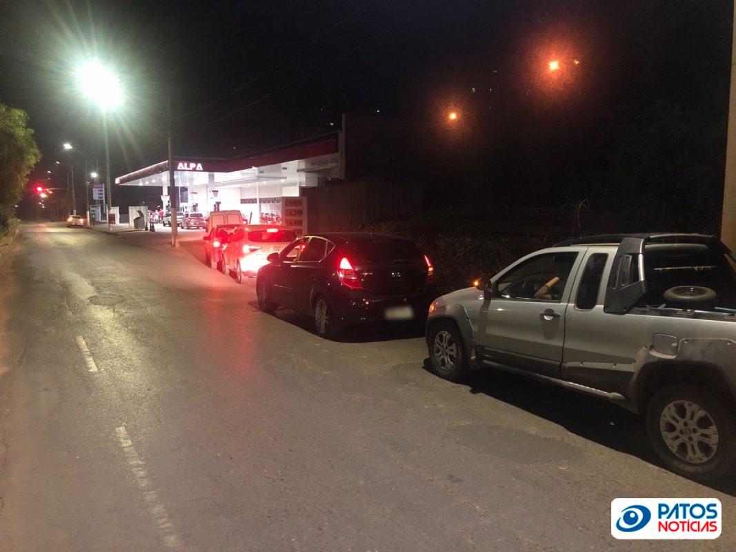 corrida aos postos de combustíveis em Patos de Minas (1)