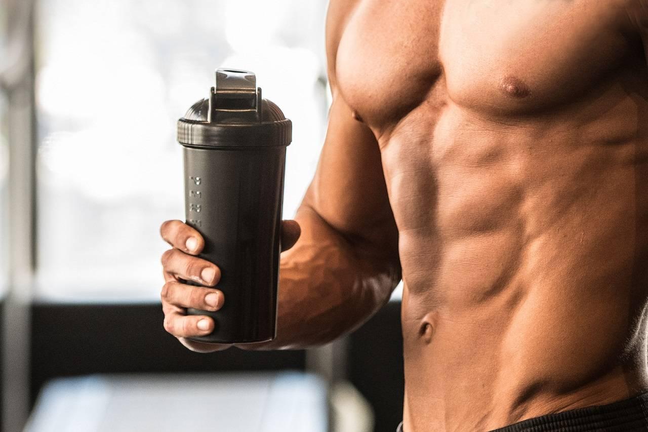 Solltest du Protein supplementieren, um Muskeln aufzubauen?