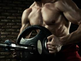 Trainingspausen (Deloads & Detraining) zum Aufbau & Erhalt der Muskulatur: Solltest du sie nutzen?