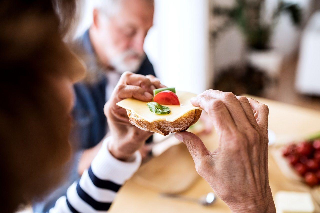 Einfluss des Alters auf die Regulation von Hunger & Appetit | Studien Review