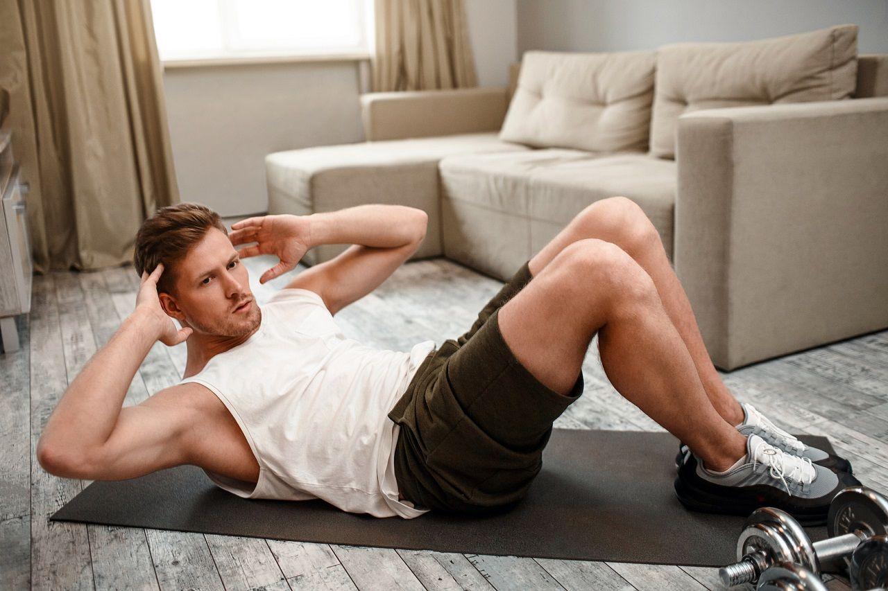 Heimtraining: Praktische Tipps für effektives Training zu Hause (mit maximalen & minimalen Equipment)
