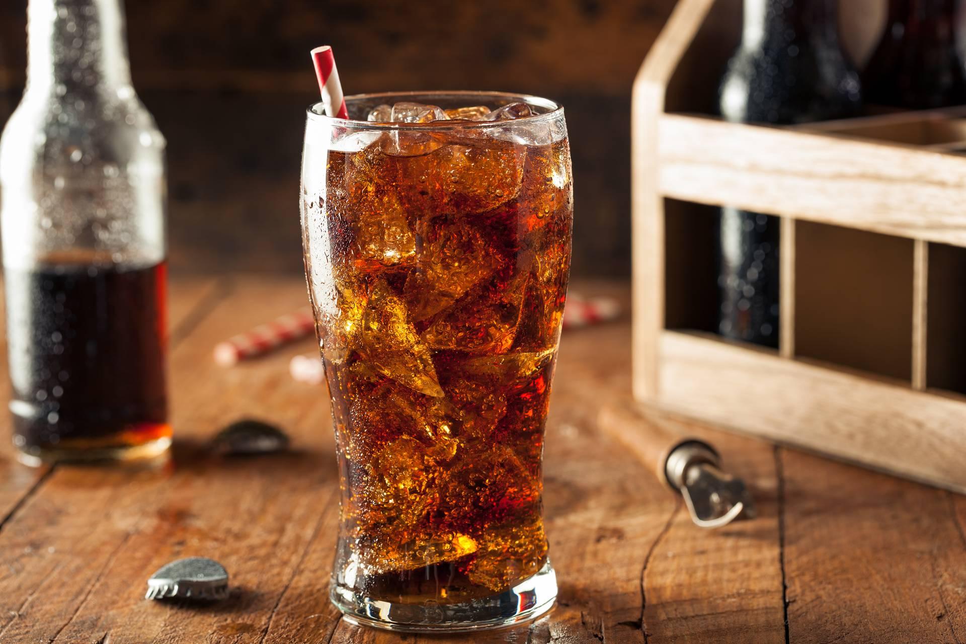Diät-Softgetränke mit Süßstoff: Steigern sie den Appetit und das Verlangen nach Süßem?