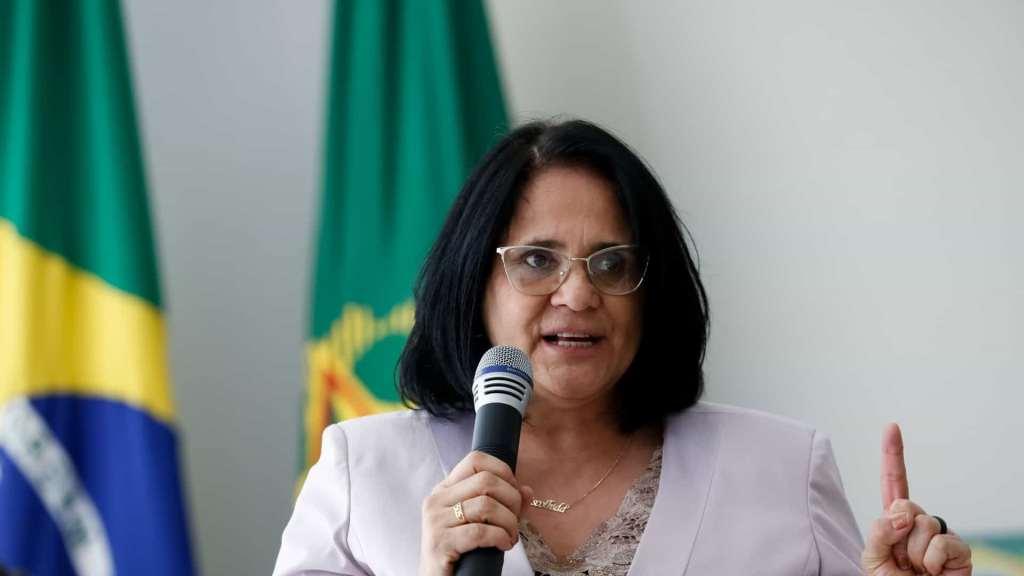 Ministra Damares elabora plano de combate violência doméstica devido a quarentena