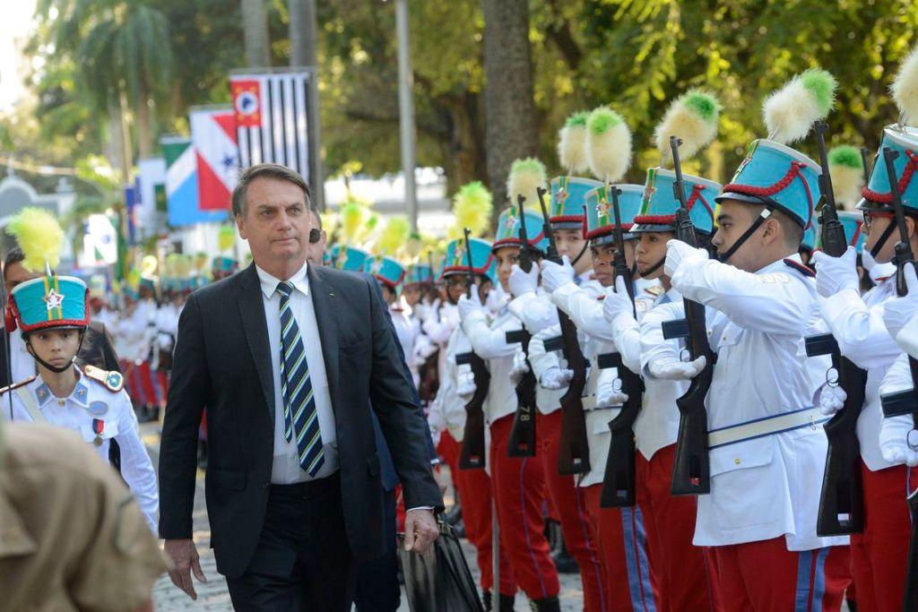 Bolsonaro quer implantar um colégio militar em cada capital do Brasil