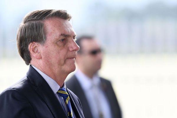 """Bolsonaro diz que TCU não fez tabela sobre mortes por Covid-19 e pede investigação sobre """"supernotificação"""""""