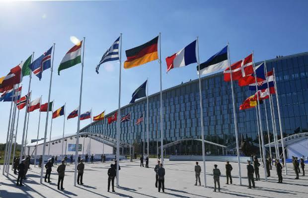 OTAN vê poderio militar da China como 'desafiador' pela primeira vez