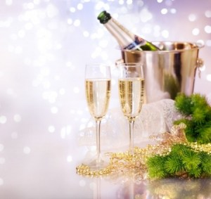 new year champagne 8392295_s