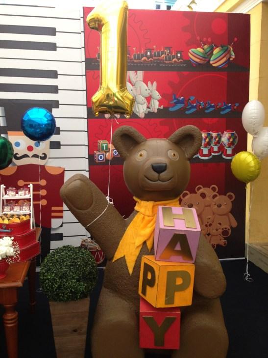 Urso felicitando o aniversariante!