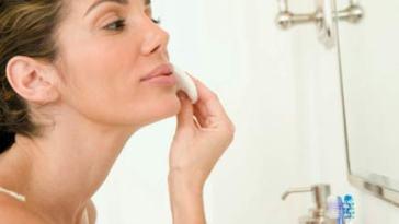 Como Remover Maquiagem 011 - Como Remover A Maquiagem Corretamente?
