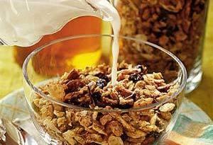 Granola com leite - Alimentos que prejudicam sua dieta!
