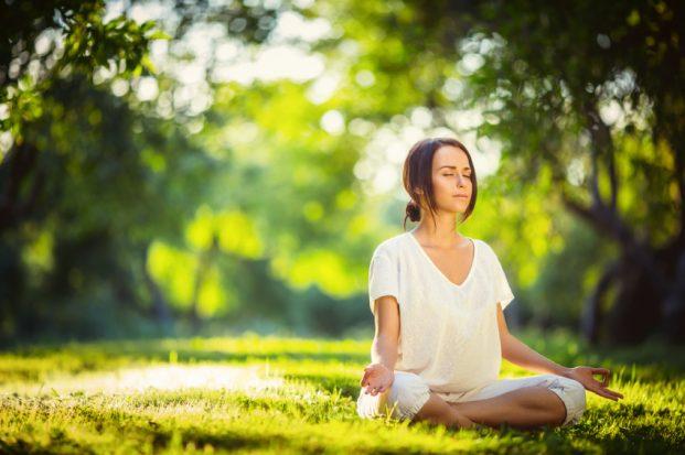 iStock 000059373692 Small 621x413 - Emagrecer com Yoga - Saiba como Começar
